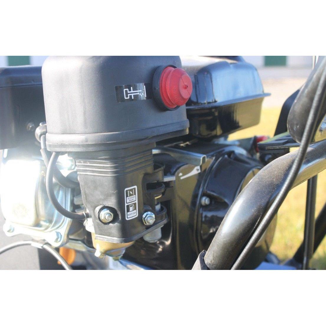 Kehrmaschine mit 6,5 PS Motor